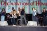 Peter Gabriel, Tracy Chapman, Youssou N'Dour, Sting, K.D. Lang et Bruce Springsteen lors d'un concert de la tournée Human Rights Now!, le 15 septembre 1988, à Toronto.