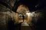 La légende évoque le complexe de galeries Riese (de l'allemand « géant »), construit par le IIIe Reich pendant la seconde guerre mondiale, comme cachette potentielle.