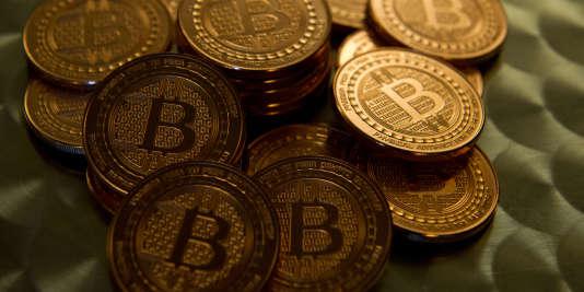 """La technologie """"blockchain"""" est utilisée pour le réseau de monnaie virtuelle bitcoin."""