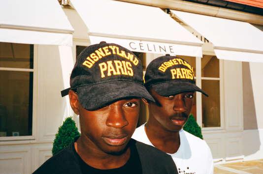 Des clients de La Vallée Village à Serris, en Seine-et-Marne.