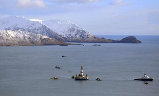 Une plateforme pétrolière de Shell, au large de l'Alaska.