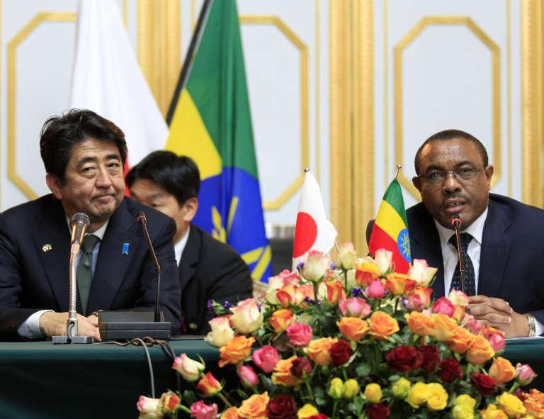 Le premier ministre japonais Shinzo Abe, lors d'une visite à Addis Abeba, en janvier 2014.