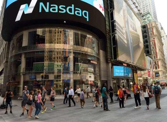 Le bâtiment du Nasdaq à Times Square (New York), le 24 août 2015.
