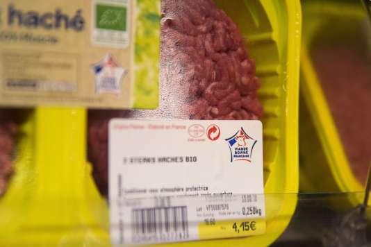 """Un produit """"Viandes de France"""" dans un supermarché parisien, en août 2015."""