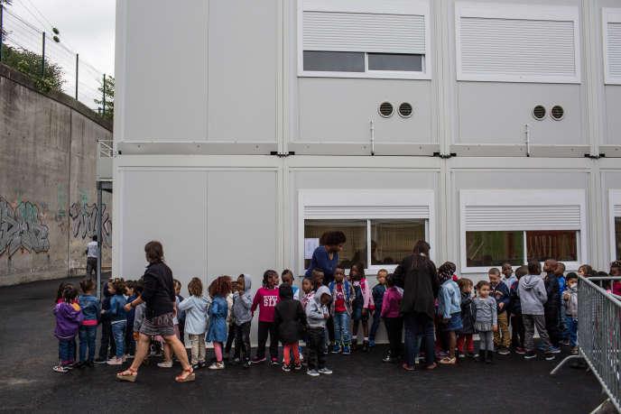 Rentrée à l'école enpréfabriqué de la place des Confluences, àSaint-Denis, mardi 1er septembre.
