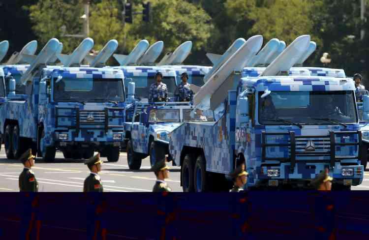 Des missiles sol-air faisaient également partie de la démonstration de force de Pékin. REUTERS/Damir Sagolj