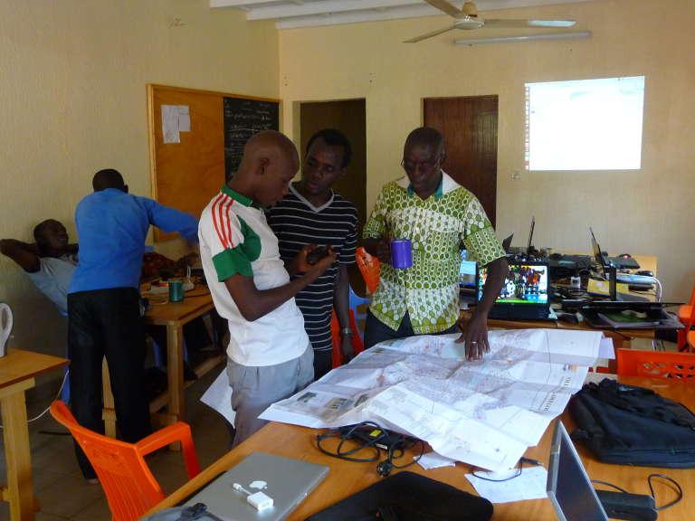 Lors dune présentation OpenStreetMap, à Ouagadougou, en août 2015.