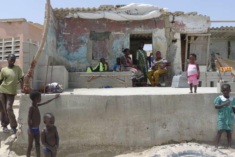 Bargny, où doit être construite une centrale à charbon, est une des zones les plus vulnérables à l'érosion côtière du Sénégal.