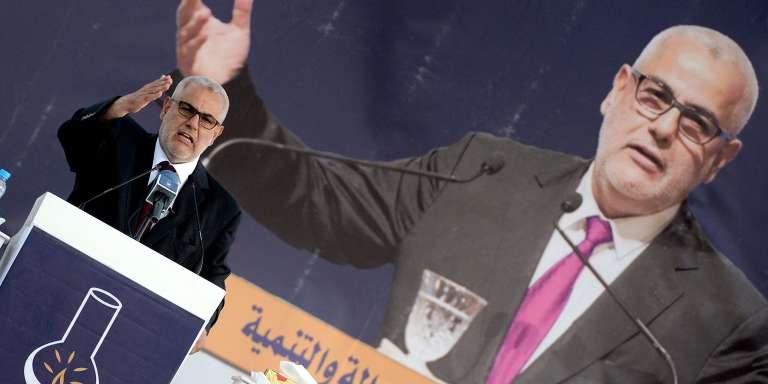 Le premier ministre marocain Abdelilah Benkirane gestures lors d'un meeting de campagne pour les élections locales, à Tanger le 2 septembre.