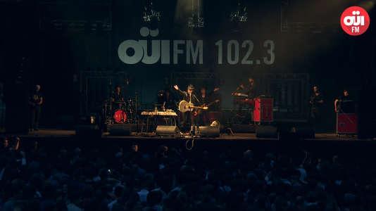 Concert de Gaz Coombes, place de la République à Paris, lors du OÜI FM Festival qui s'est déroulé du 23 au 25 juin.
