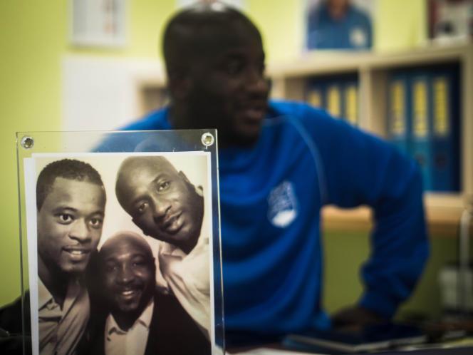 Patrice Evra (à gauche dans le cadre) reste très impliqué dans la vie de son club formateur.