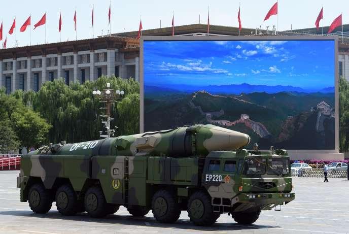 Présentation du missile DF-21D sur la place Tiananmen, à Pékin, le 3septembre.