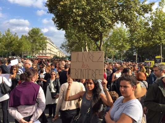 Place de la République à Paris lors du rassemblement de soutien aux migrants.