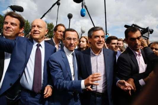 Alain Juppé, Bruno Retailleau et François Fillon à La Baule, samedi.