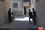 Image, tirée d'une page Facebook tenue par des sympathisants de l'Etat islamique, montrant des combattants de l'EI à Qadam, un quartier du sud de Damas, en partie contrôlé par l'opposition au régime syrien.