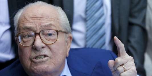 Jean-Marie Le Pen lors d'une conférence de presse à Marseille en septembre.