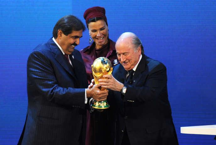 Sepp Blatter et l'émir du Qatar, le 2 décembre 2010, à Zurich.