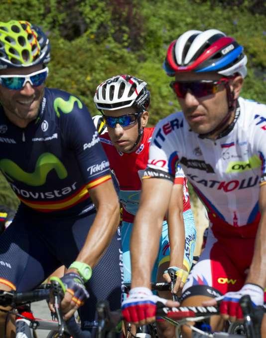 Fabio Aru, derrière Alejandro Valverde (gauche) et Joaquim Rodriguez (droite), lors de la 15e étape de la Vuelta.
