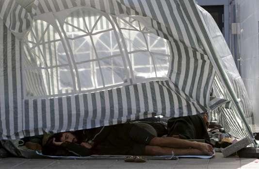 Une tente installée à la gare de l'Est de Budapest.