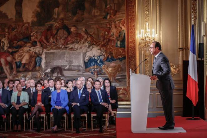 François Hollande et le gouvernement lors de la conférence de presse à l'Elysée, le 7 septembre.