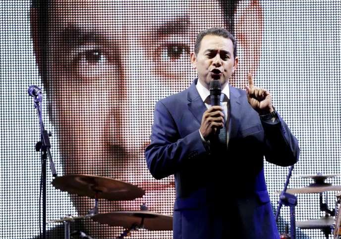 Le comédien Jimmy Morales, arrivé en tête du premier tour, dimanche 6septembre, à Ciudad de Guatemala.