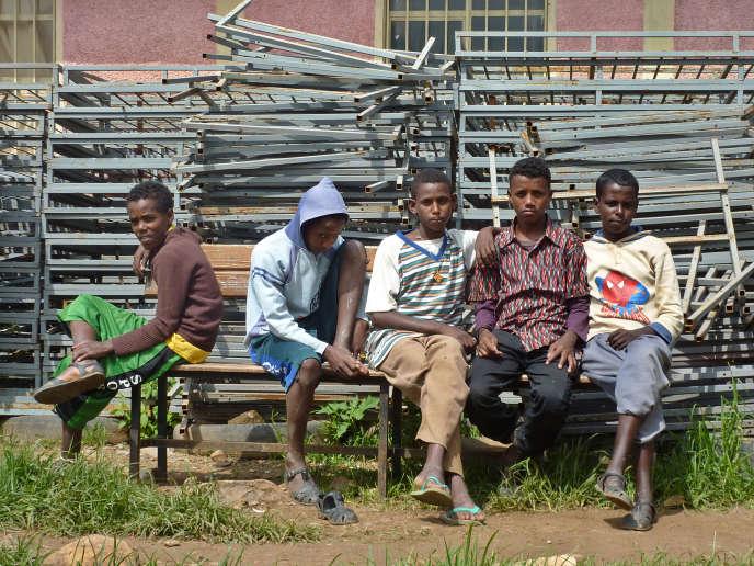 Des mineurs érythréens à Endabagouna, en Ethiopie, en août 2011.