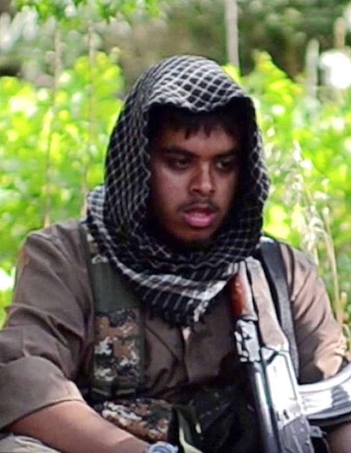 Le premier ministre du Royaume-Uni, David Cameron, a annoncé que l'armée avait tué, lors d'un raid fin août, deux jeunes Britanniques (dont un ici, âgé de 21 ans) qui préparaient des attentats contre la reine.