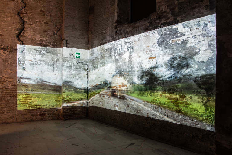 A la Biennale d'art contemporain de Venise, exposition du projet artistique « Invisible Borders, the Trans African project
