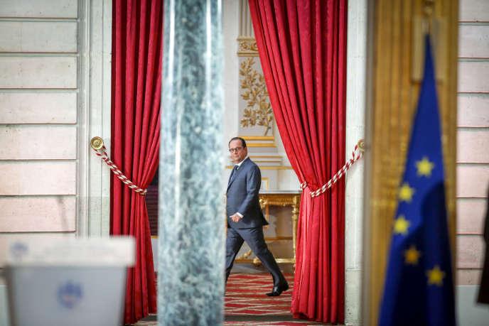 François Hollande, au palais de l'Elysée, à Paris, lundi 7 septembre.