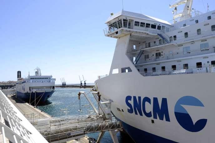 Ferries de la SNCM, sur le port de Marseille, le 20 mai.
