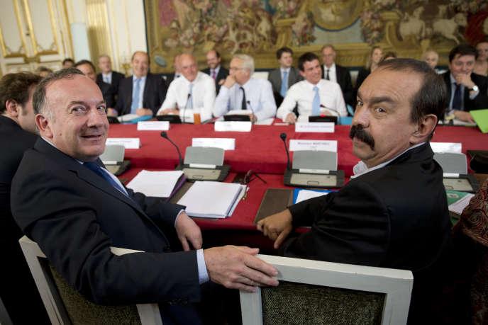 Pierre Gattaz du MEDEF et Philippe Martinez de la CGT à l'hôtel Matignon, Paris,  le 12 mai 2015.