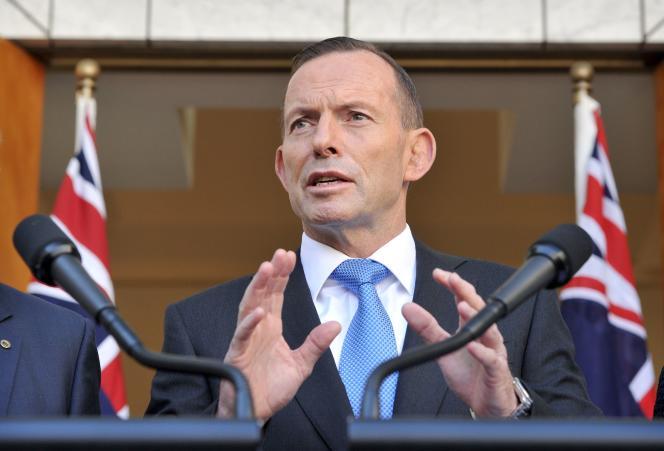 Quelques heures avant la sortie de Malcolm Turnbull, Tony Abbott minimisait les rumeurs, refusant de se laisser aspirer par «les ragots et les jeux politiques de Canberra».