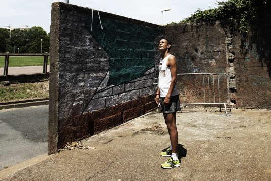 Salah Ameidan, près du siège du Biarritz olympique en juillet.