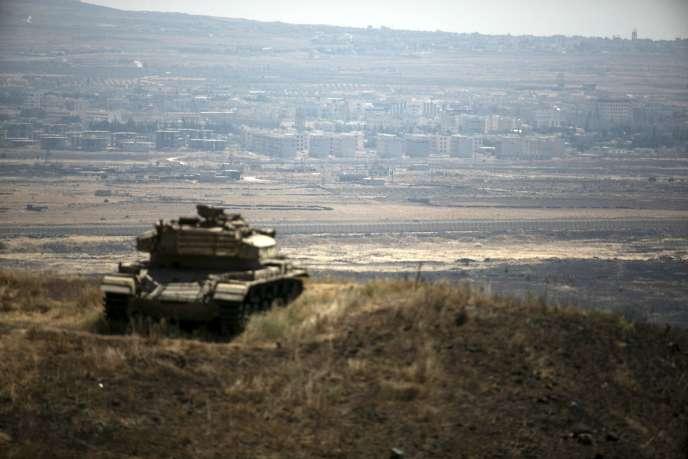 Le village syrien de Kuneitra vu depuis la frontière israélienne sur le plateau du Golan, le 21 août.