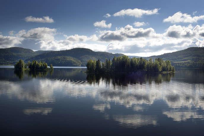 La région, classée au patrimoine mondial de l'humanité, possède le littoral le plus haut du monde.