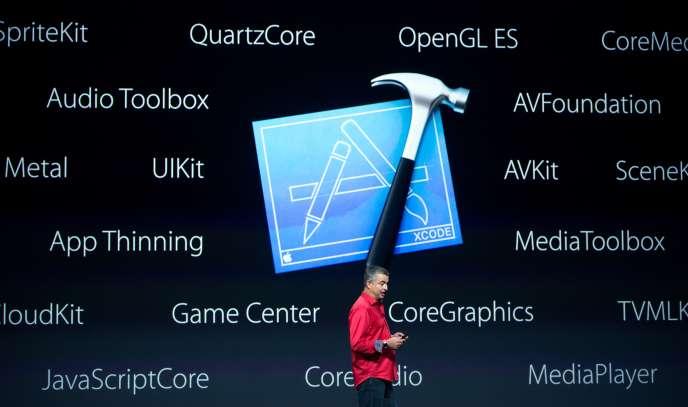 Eddie Cue, vice-président d'Apple, présente l'iPad Pro, le 9 septembre.