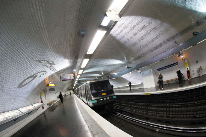 L'air du métro et des gares souterraines est beaucoup plus chargé en particules fines que l'air extérieur, selon une étude de l'Anses.
