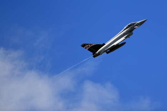 Selon l'agence de presse autrichienne, cette enquête a montré qu'Airbus avait gonflé artificiellement le prix des appareils Eurofighter.