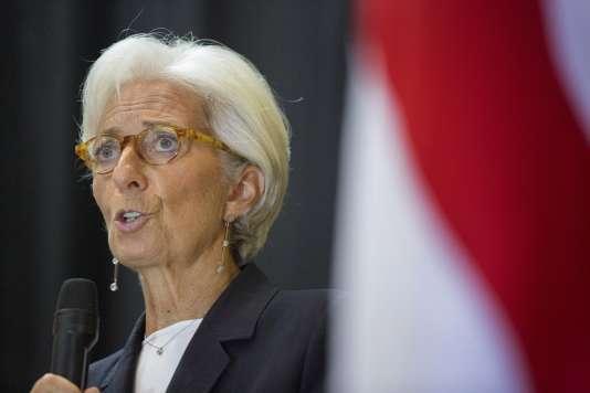 Le procureur du CJR a requis un non-lieu en faveur de l'ancienne ministre de l'économie Christine Lagarde – ici à Monrovia, au Liberia, le 11 septembre 2015– dans l'affaire de l'arbitrage Tapie.