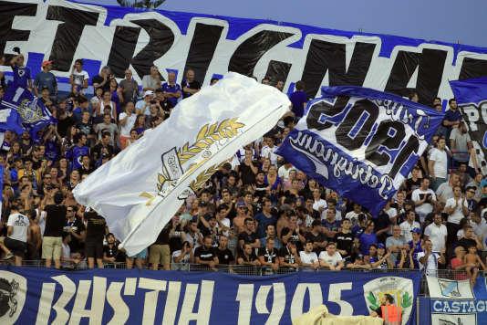 Des supporteurs bastiais au stade Armand-Cesari.