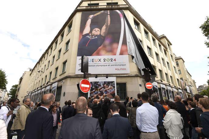 Affiche promotionnelle pour la candidature de Paris en 2024.