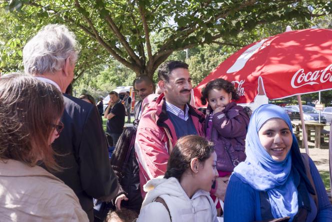 Cergy le 9 09 2015 Centre de séjour Hubert Renaud,  Les premiers réfugiés en provenance d'Allemagne sont arrivés en France ils seront hebergés au centre de séjours de l'ile de loisirs. Arrive des réfugies