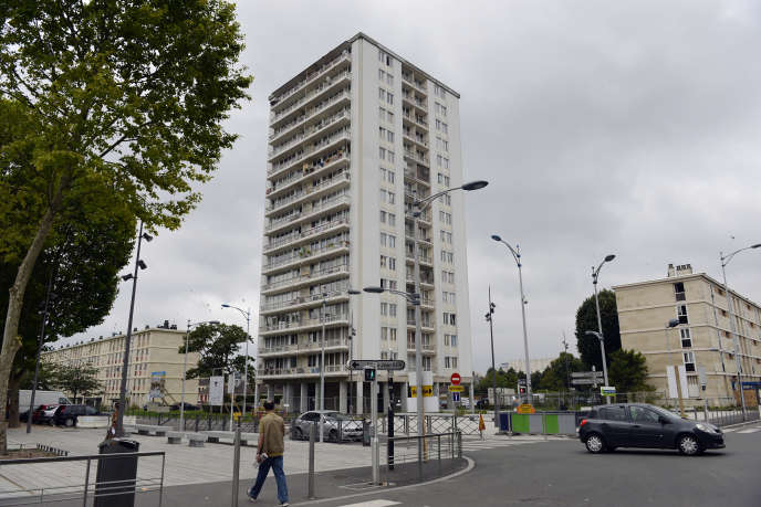 «C'est bien chacun de nos quartiers, dans l'épaisseur de ses spécificités urbaines, sociales, économiques, qui doit être remis localement en mouvement» (Sarcelles, en 2014).