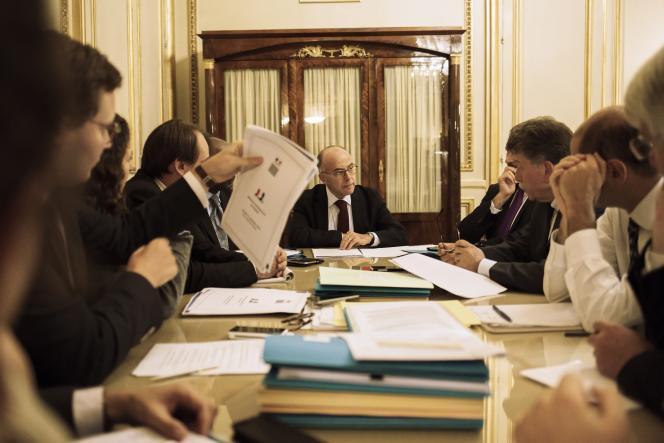 Réunion du cabinet de Bernard Cazeneuve, ministre de l'Intérieur, le vendredi 11 septembre, pour préparer l'accueil des migrants organisé par le gouvernement.
