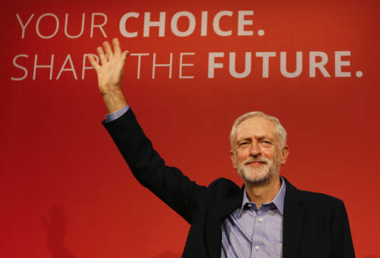 Jeremy Corbyn après l'annonce de son élection à la tête du Parti travailliste, le 12 septembre, à Londres.