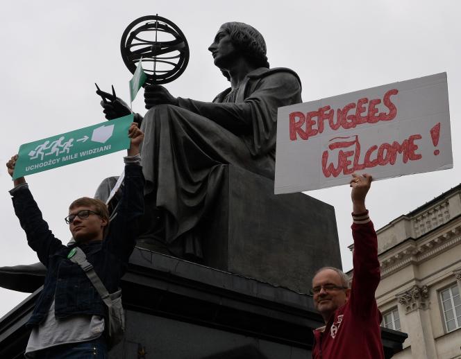 Manifestation à Varsovie en faveur de l'accueil des réfugiés, le 12 septembre.