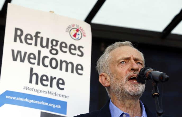 Jeremy Corbyn a pris la tête du parti travailliste britannique samedi 12 septembre.