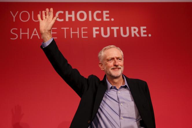 Jeremy Corbin vient d'être déclaré nouveau leader du parti travailliste à Londres le 12 septembre.