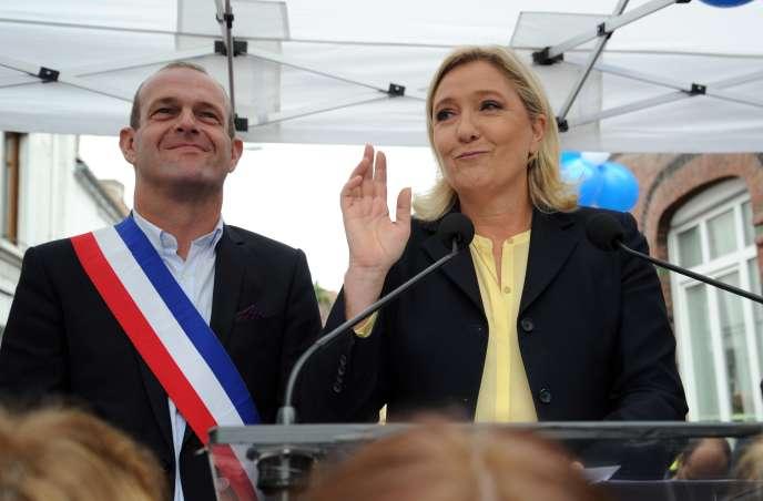 Marine Le Pen et Steeve Briois, maire de Henin-Beaumont, le 13 septembre.