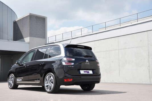 La voiture autonome présentée par PSA.